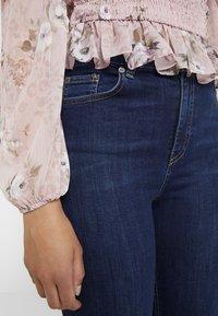 NA-KD - HIGH WAIST OPEN HEM - Jeans Skinny Fit - dark blue - 3