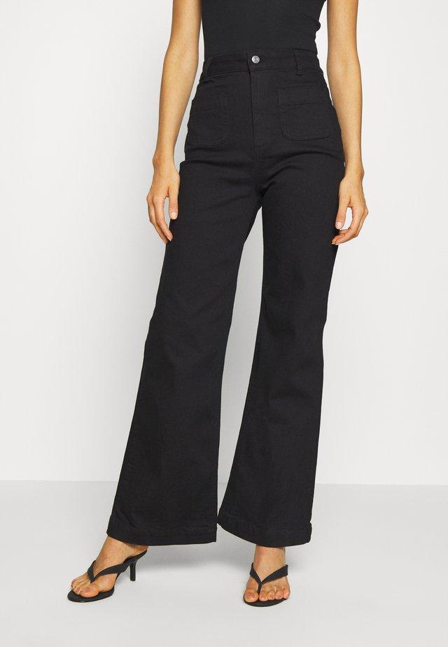 Flared jeans - deep black