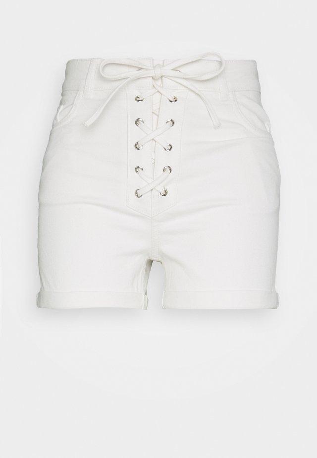 PAMELA REIF x NA-KD - Jeans Shorts - white