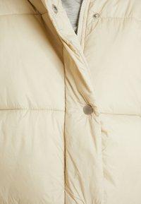 NA-KD - ELASTIC DETAIL PUFFER JACKET - Vinterjakker - beige - 5