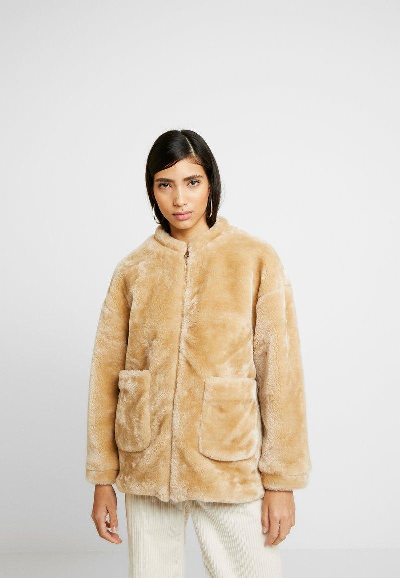 NA-KD - SHORT FRONT POCKET JACKET - Winter jacket - beige