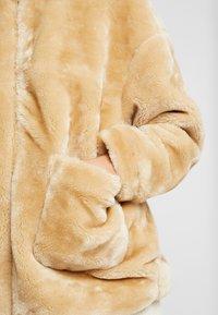 NA-KD - SHORT FRONT POCKET JACKET - Winter jacket - beige - 5