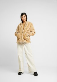 NA-KD - SHORT FRONT POCKET JACKET - Winter jacket - beige - 1