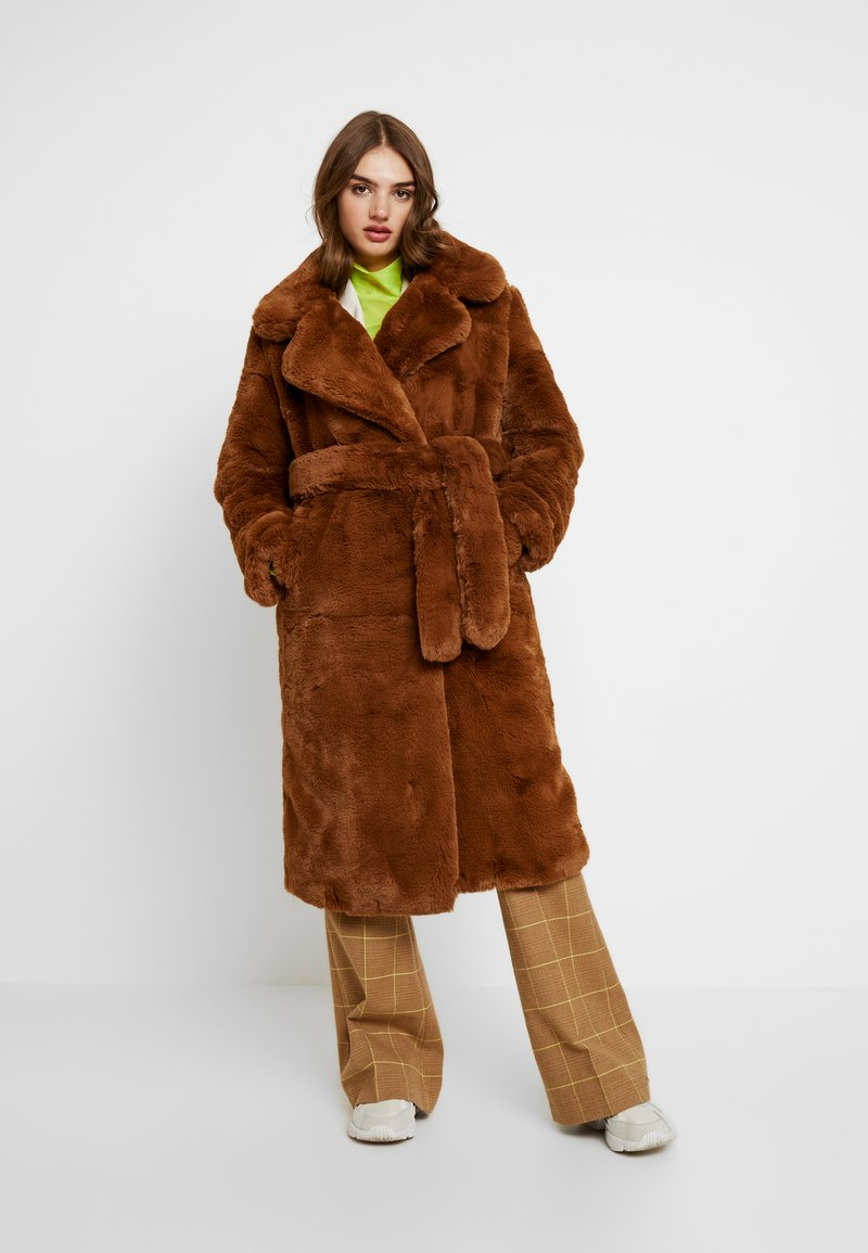 NA-KD - SOFT LONG COAT - Cappotto invernale - brown