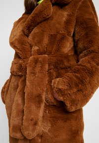 NA-KD - SOFT LONG COAT - Cappotto invernale - brown - 5