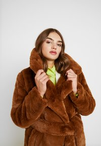 NA-KD - SOFT LONG COAT - Cappotto invernale - brown - 3