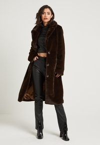 NA-KD - ZALANDO X NA-KD - Zimní kabát - brown - 2