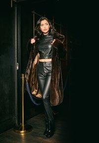 NA-KD - ZALANDO X NA-KD - Zimní kabát - brown - 4