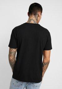 Napapijri The Tribe - SOX  - T-shirt imprimé - black - 2