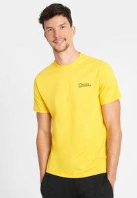 National Geographic - Basic T-shirt - lemon chrome - 0