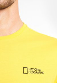 National Geographic - Basic T-shirt - lemon chrome - 2