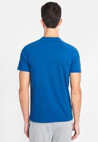 National Geographic - Basic T-shirt - blue - 1