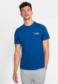 National Geographic - Basic T-shirt - blue - 0