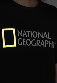 National Geographic - Print T-shirt - black - 3