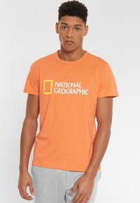 National Geographic - Print T-shirt - coral - 0