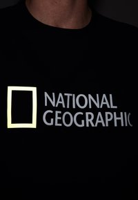 National Geographic - Print T-shirt - navy - 3