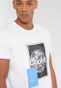 National Geographic - Print T-shirt - white - 2