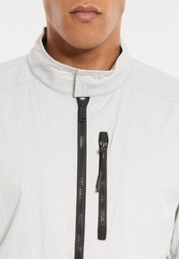 National Geographic - RE-DEVELOPED BLOUSON - Bomber Jacket - offwhite - 3