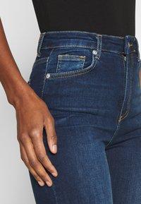 NA-KD Tall - HIGH WAIST RAW TALL - Jeans Skinny Fit - dark blue - 4