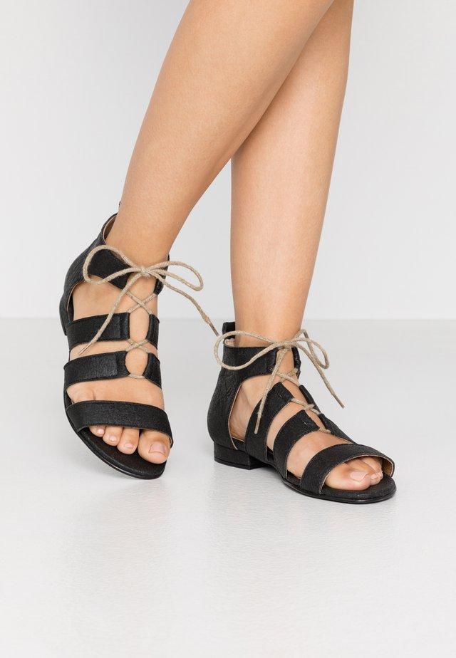 HERA - Sandalen met enkelbandjes - black
