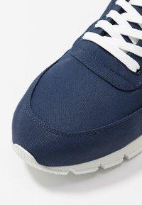 NAE Vegan Shoes - NILO - Tenisky - navy - 2