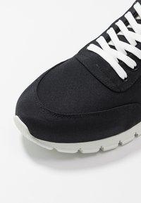 NAE Vegan Shoes - NILO - Tenisky - black - 5