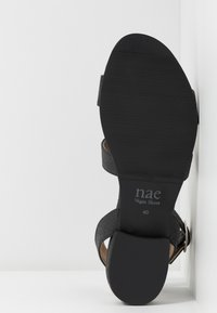NAE Vegan Shoes - GATRIA - Sandály - black - 4