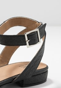 NAE Vegan Shoes - GATRIA - Sandály - black - 5
