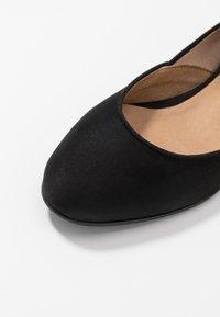 NAE Vegan Shoes - LEEN - Ankle strap ballet pumps - black - 5