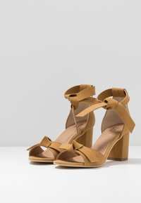 NAE Vegan Shoes - ESTELA - Sandály - yellow - 4