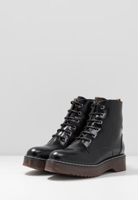 NAE Vegan Shoes - TRINA - Kotníkové boty na platformě - black - 2
