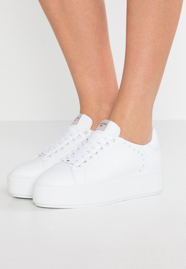 ELISE LACE PERFO - Sneakers - white