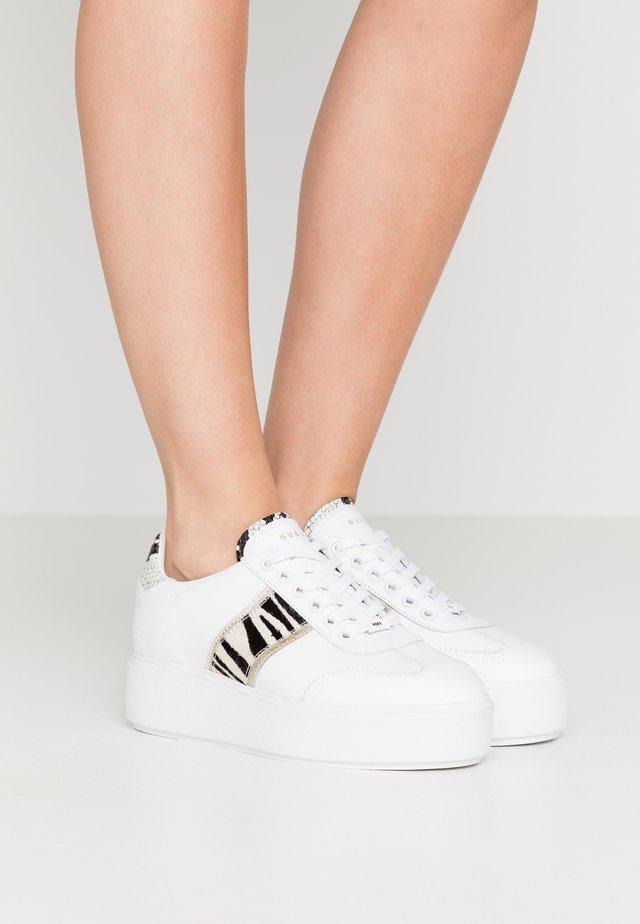 ELISE ZIYA - Sneakersy niskie - white