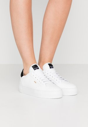 JOLIE NAYA - Sneakersy niskie - white
