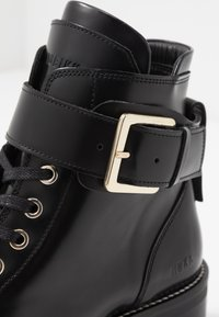 Nubikk - DJUNA AUBINE - Lace-up ankle boots - black - 2