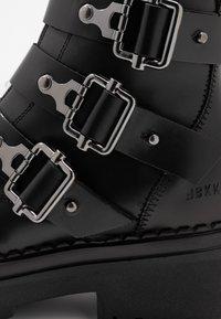 Nubikk - Cowboy- / bikerstøvlette - black - 2