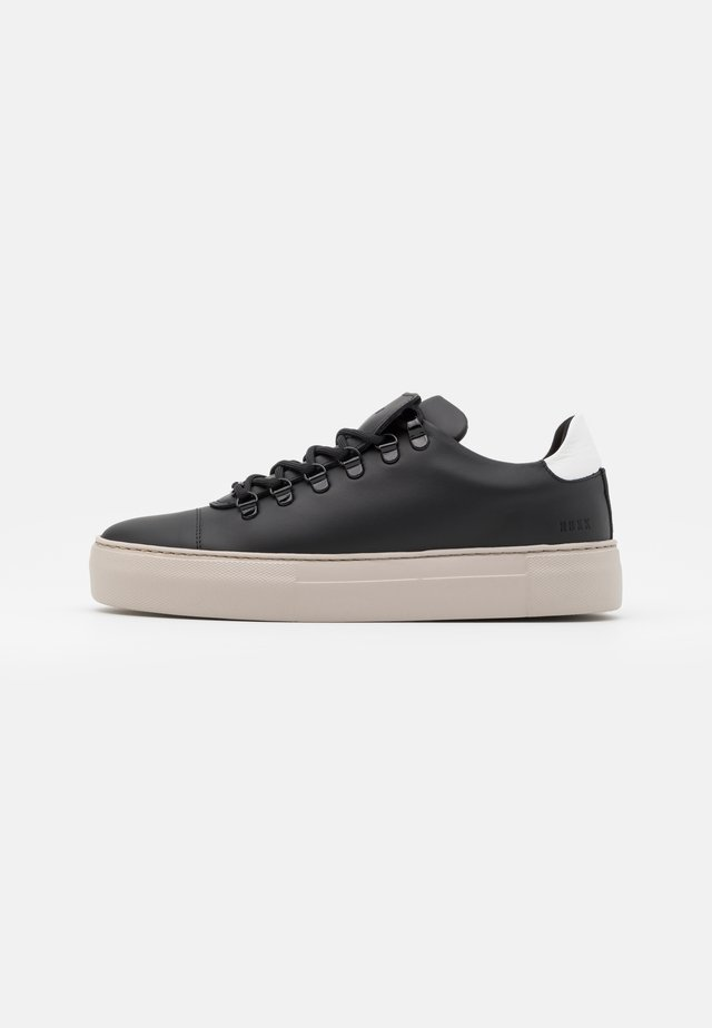 JAGGER CLASSIC - Sneaker low - black