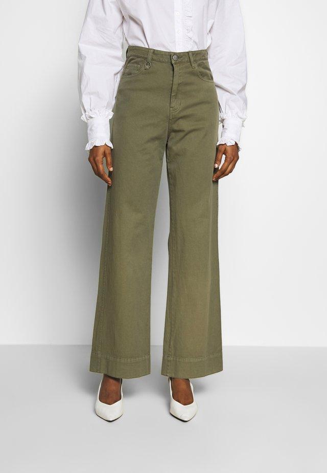 MAGAZINE PANT - Trousers - military