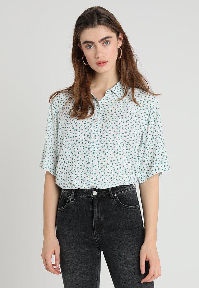 DREW BOXY  - Button-down blouse - white