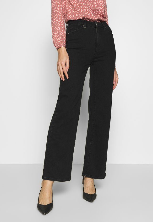 MAGAZINE ALINE - Flared Jeans - black denim