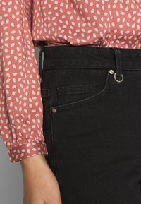 Neuw - MAGAZINE ALINE - Flared Jeans - black denim - 3