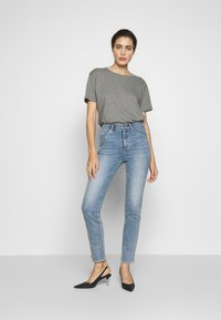 Neuw - MARILYN - Jeans Straight Leg - preloved blue - 1