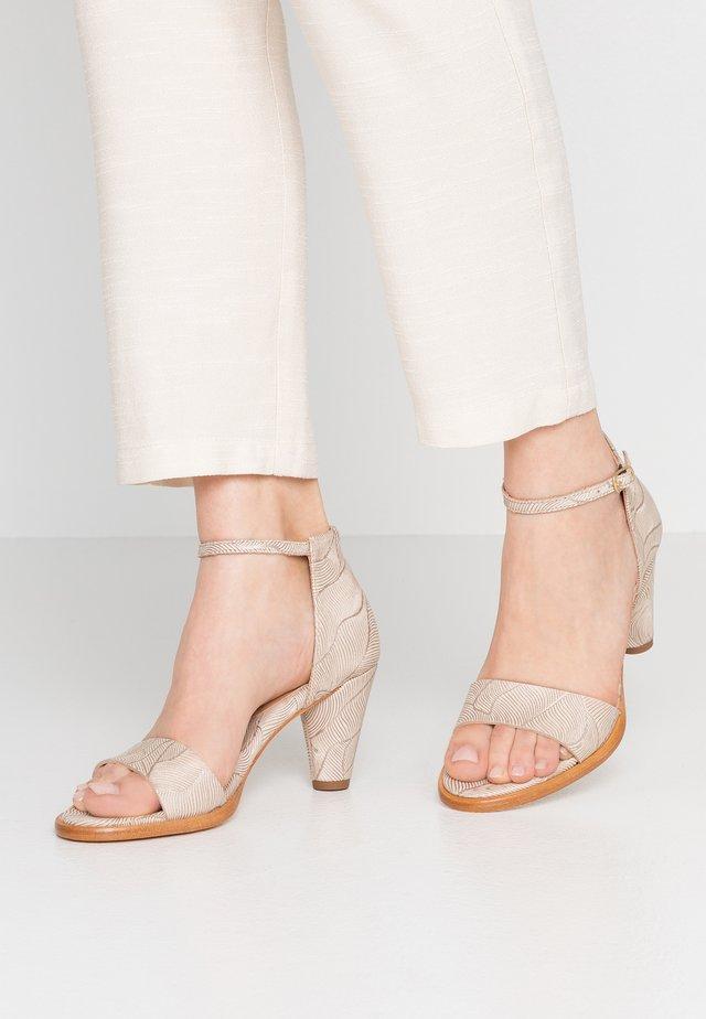 MONTUA - Sandaler - beige