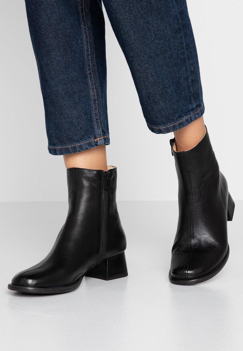 Neosens - ALAMÍS - Classic ankle boots - dakota black