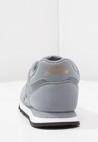 New Balance - GW500 - Sneakersy niskie - grey/gold - 4