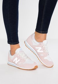 New Balance - Baskets basses - conch shell - 0