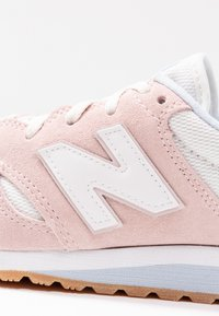 New Balance - Baskets basses - conch shell - 2
