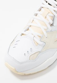 New Balance - WX608 - Joggesko - beige - 2