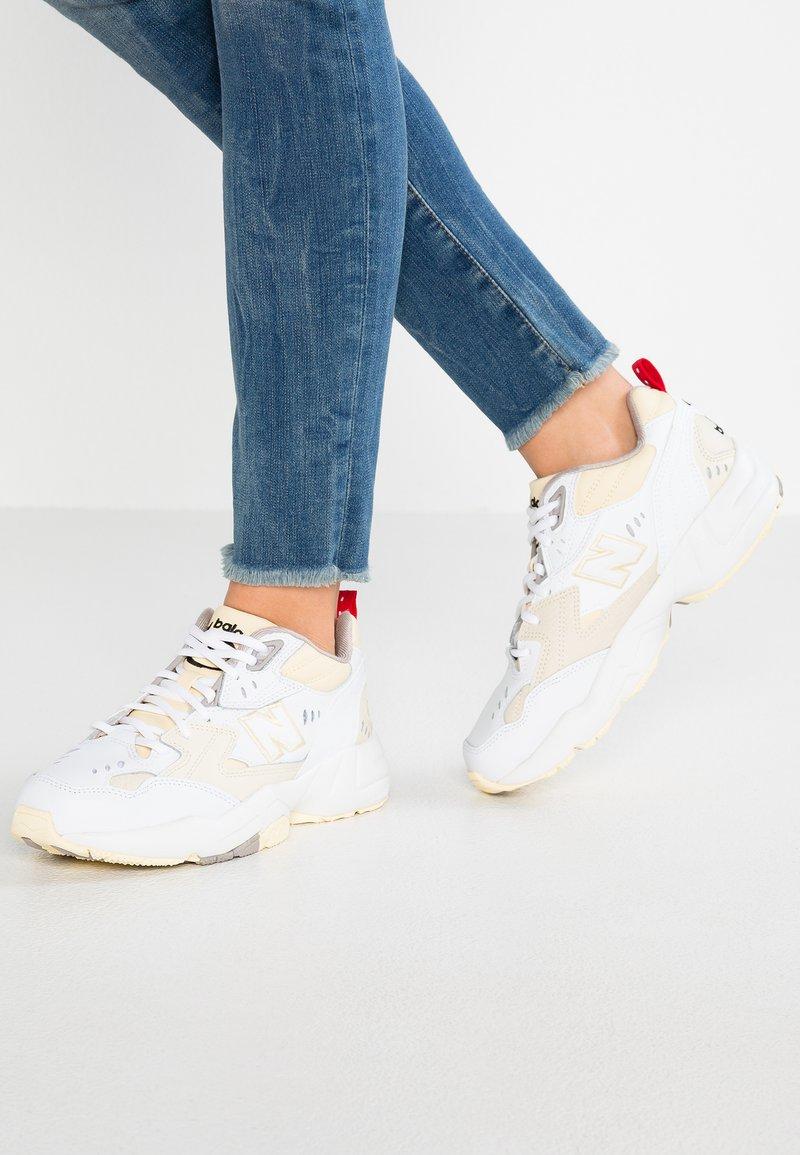 New Balance - WX608 - Sneakers - beige