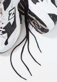 New Balance - WX608 - Sneakersy niskie - schwarz - 7